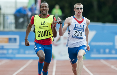 Depuis maintenant un an, Yannick Fonsat court avec son partenaire sur le 100 mètres et le 200 mètres